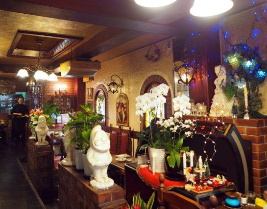 コーヒーサロンチロルの祭壇