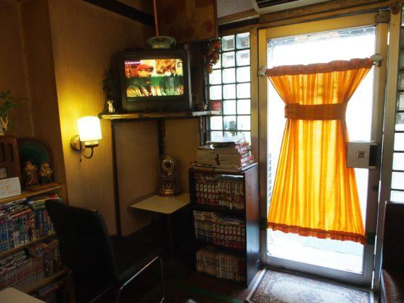 喫茶サンシャインの入口カーテン