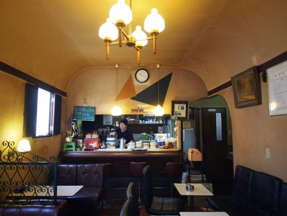 喫茶サンシャインの店内全景