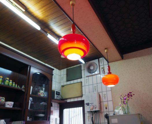 喫茶タツミのペンダントランプ