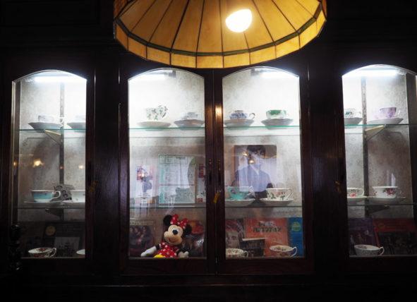 ティーハウスリーベの飾り棚