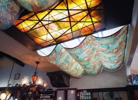 喫茶スコーレの天井