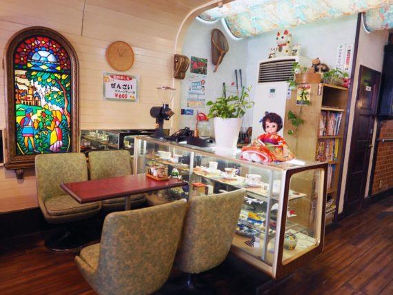 喫茶スコーレの客席
