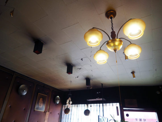 純喫茶フレンドの天井