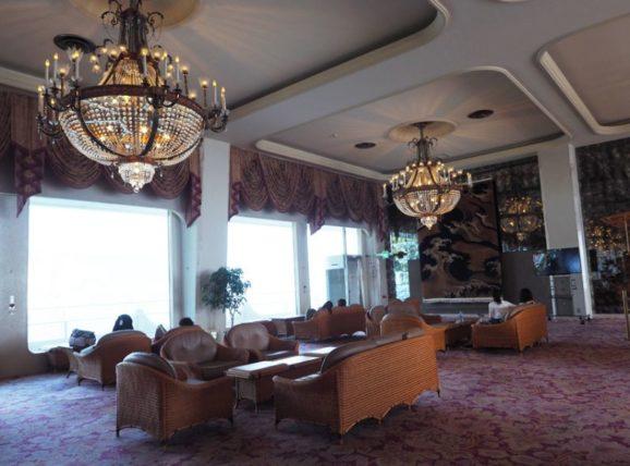 ホテルニューアカオ・ロビー