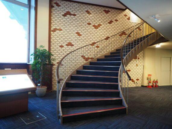 ホテルニューアカオ・いい階段