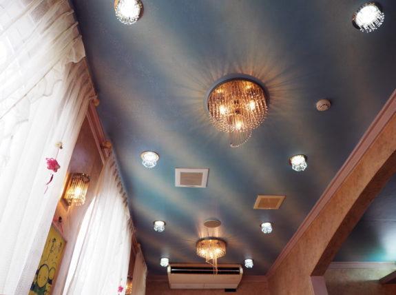 喫茶ビーナス・天井