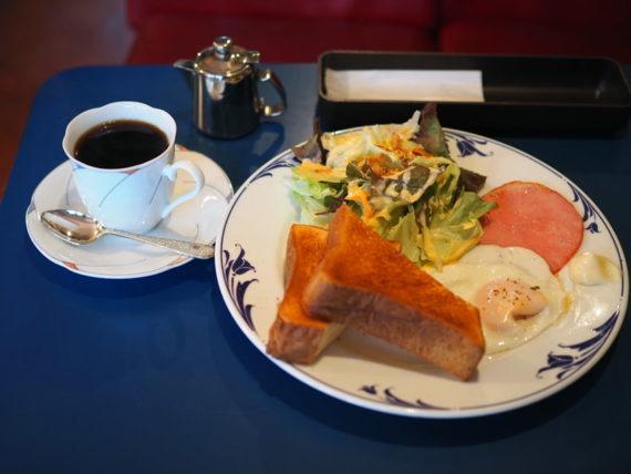 喫茶ラン・目玉焼きセット