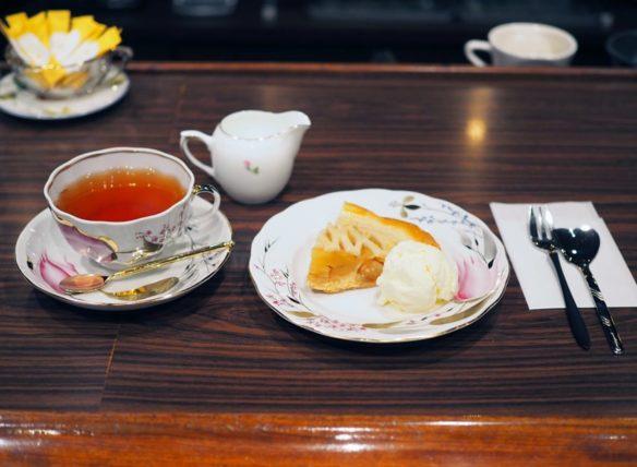 桜塚四丁目のアップルパイセット