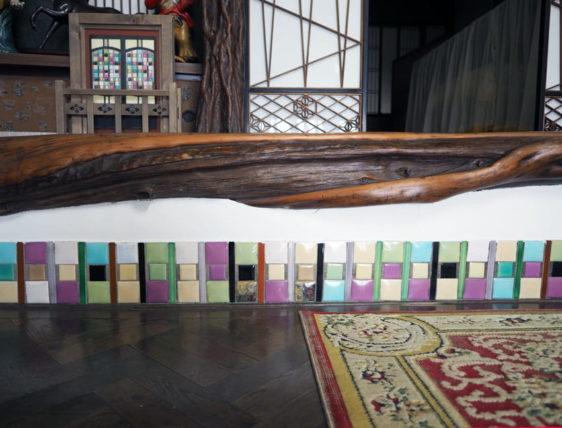 橋本の香・玄関のタイル