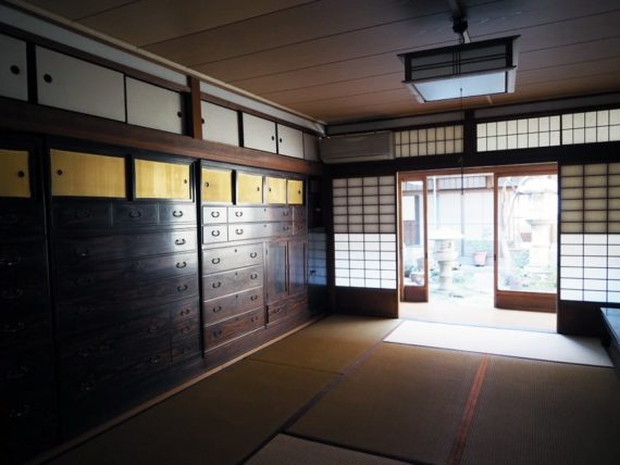 橋本の香・一階メインルーム