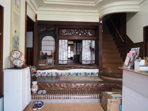 橋本の香・玄関ホール