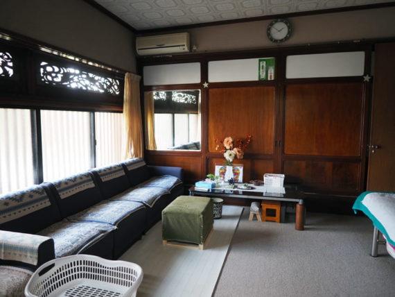 橋本の香・待合室