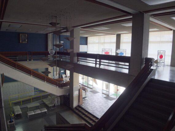 西脇市民会館・2階斜め