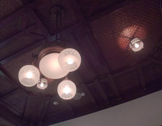 神戸迎賓館旧西尾邸・待合室照明