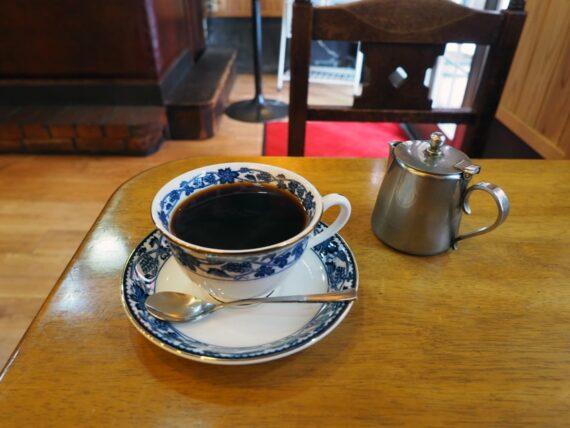 平岡珈琲店・店内で飲むコーヒー