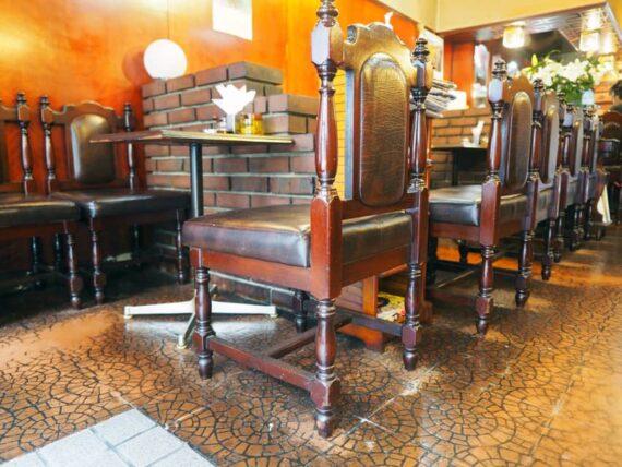 喫茶アドリア・椅子