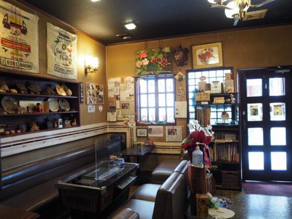 喫茶セブン・店内