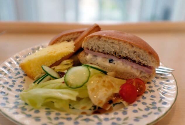 蘭館珈琲ハウス・ロースハムとクリームチーズのサンドイッチ