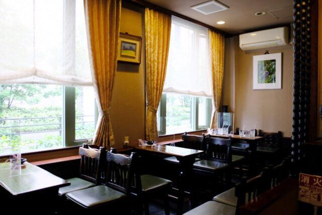 珈琲の店ボア・窓辺の席
