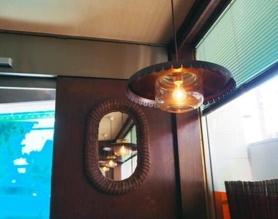 純喫茶チャンスの照明