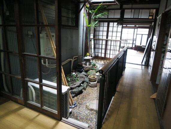 旧第二友栄楼・一階中庭