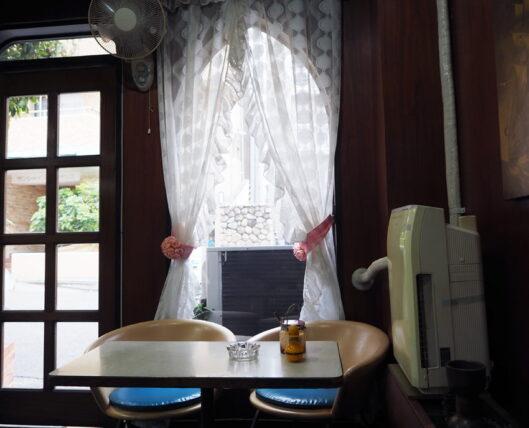 喫茶セリナのカーテン